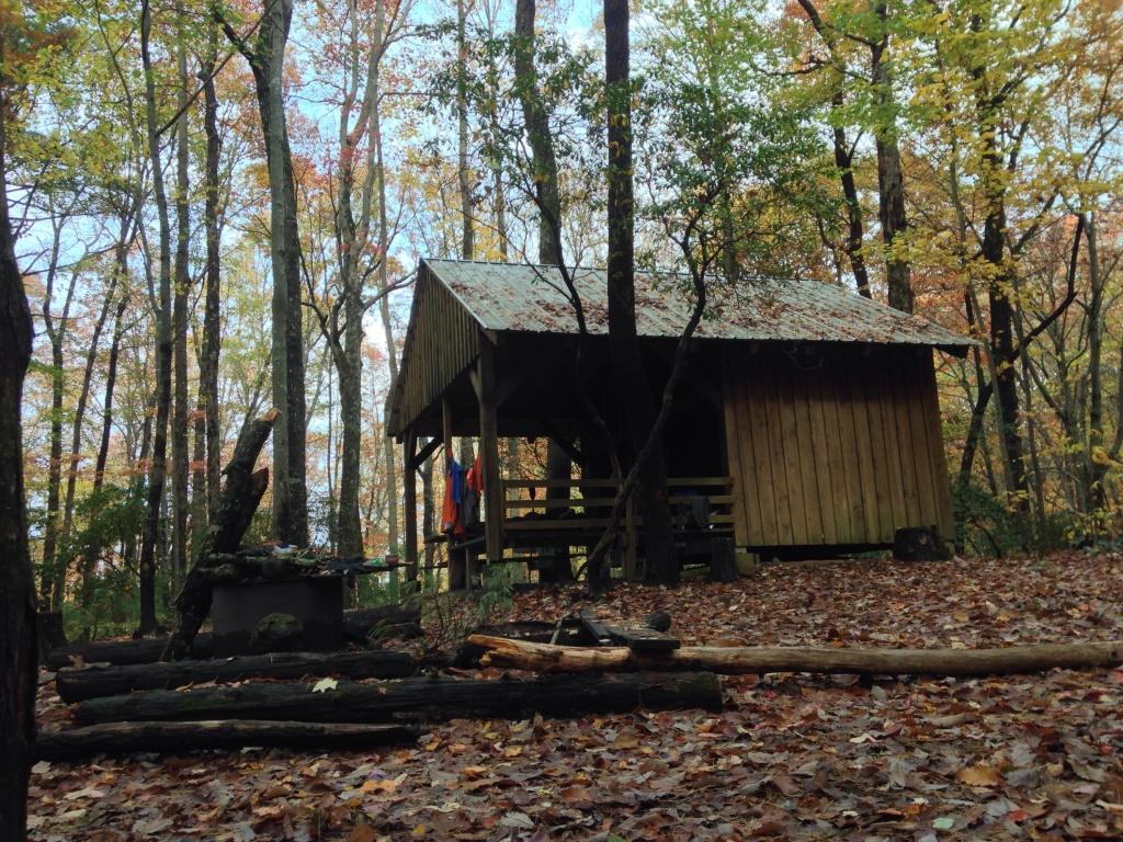 big shelter near Springer Mountain
